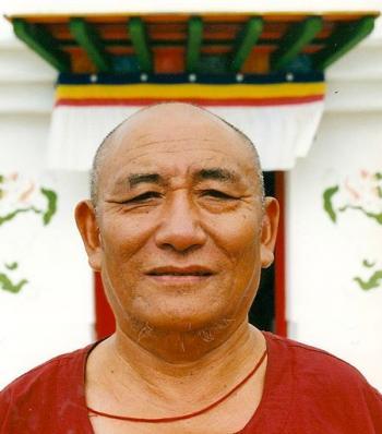 Láma Ngawang Rinpocse (1927-2011)