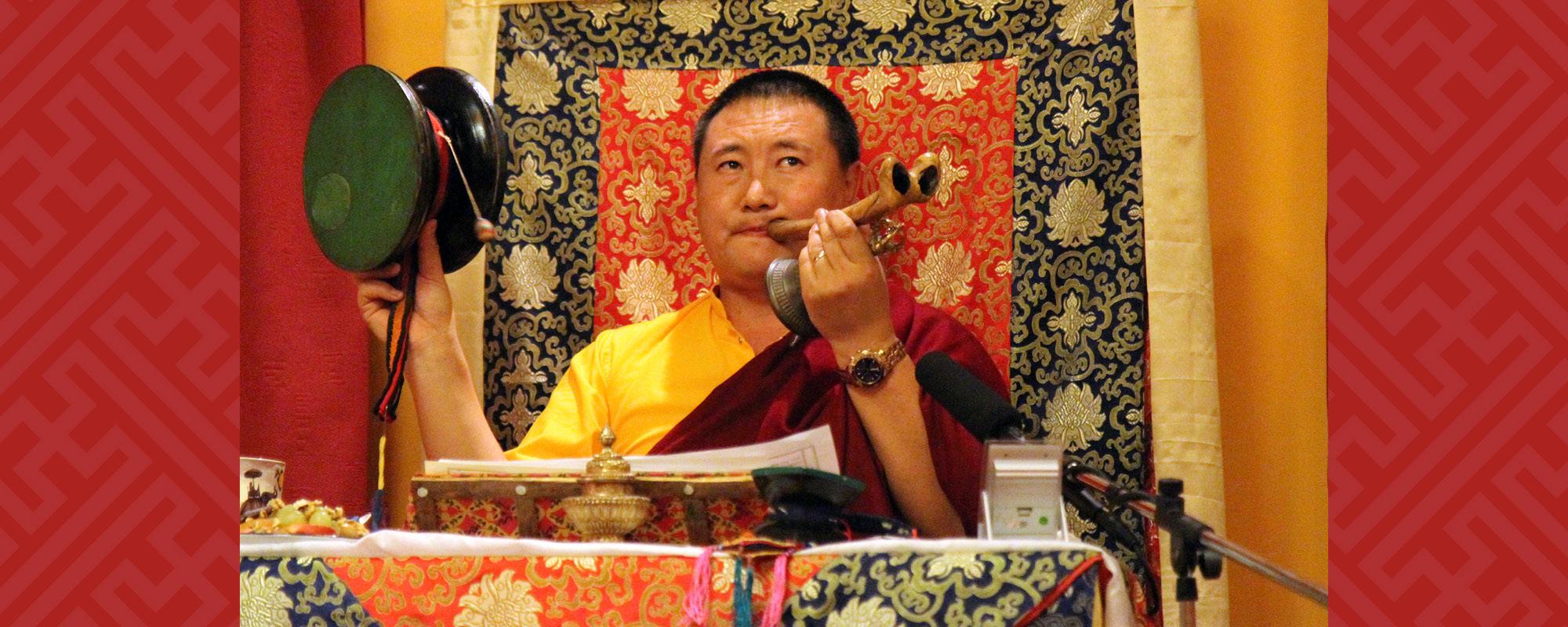 Cültrim Rinpocse Csö-meghatalmazást ad Taron @ Tar - Tara Templom   Tar   Magyarország